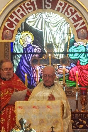 Gospel is read at Liturgy on Easter Sunday by theV. Rev. Eli Krenitsky and V. Rev Vladimir Fetcho